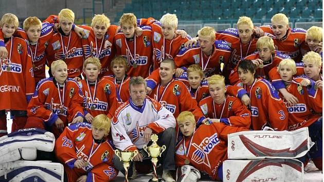 Hokejoví dev´áťáci z Poruby po vítězném turnaji