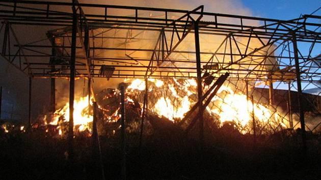 Požár seníku v Ostravě-Staré Bělé