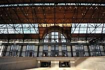 TROJHALÍ KAROLINA. Industriální prostor, který den ode dne nabírá jasnějších obrysů, by ve svých útrobách mohl mít celoroční zastřešenou tržnici.