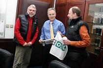 Na fotogragii (zleva) Milan Pěgřímek, Klaus-Dieter Beck a Věslav Chrzaszcz