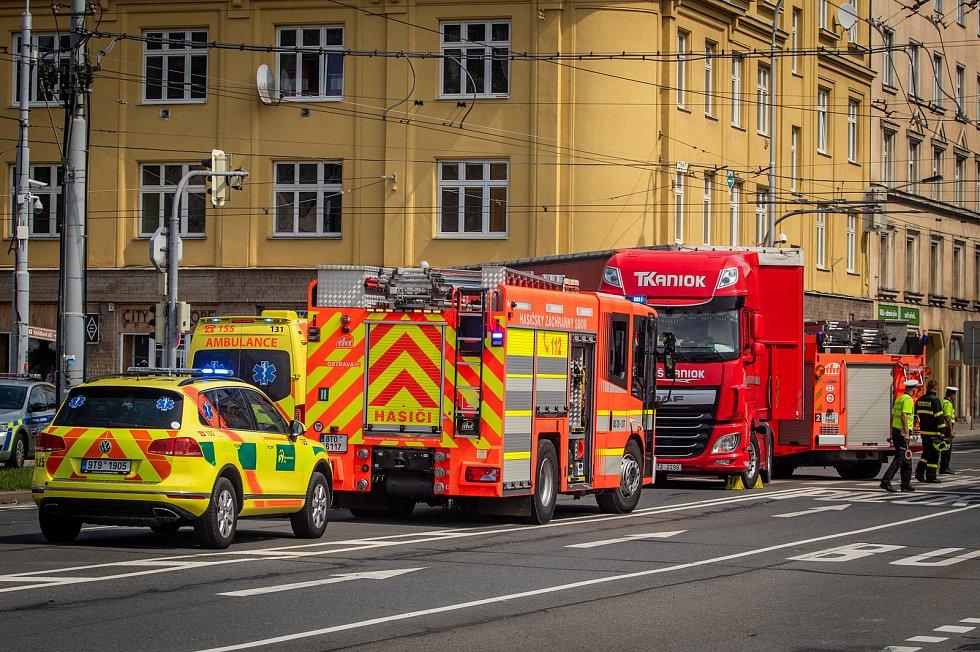 Nehoda na křižovatce Nádražní / Českobratrská, 22. srpna 2019 v Ostravě.