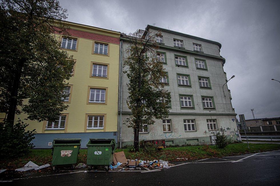 Dům na ulici Sládkova a Místecká poblíž střelnice Corrado, 12. října 2020 v Ostravě