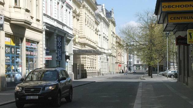 Na provní pohled vypadá ulice Čs. legií čistě a klidně.
