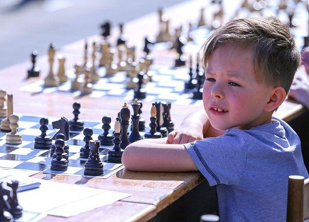 Šachová simultánka vOstravě 25.dubna 2019.