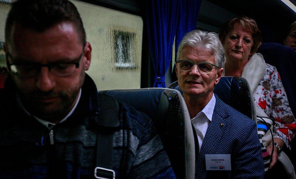 Lubomír Volný (vlevo) v netradiční předvolební debatě Deníku v říjnu 2017.