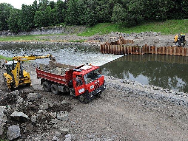 Přístav budou moci vodáci využívat už příští sezonu. Termín dokončení je stanoven na únor 2013.