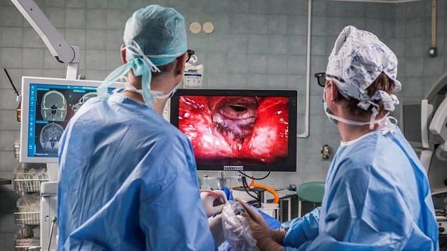 Nové 3D technologie přinášejí do zdravotnictví nové možnosti a jsou k pacientovi šetrnější.