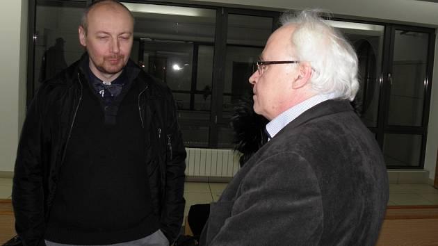 Znalci Radek Matlach (vlevo) a Igor Fargaš během jednání u okresního soudu.