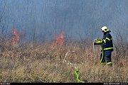 Zásah hasičů u požáru na haldě.