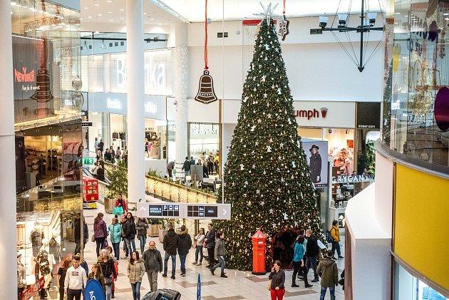 Vánoční atmosféra vobchodním centru Avion Shopping Park, 15.prosince 2018vOstravě.