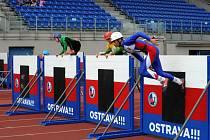 Během na sto metrů s překážkami ve čtvrtek druhým dnem pokračoval světový šampionát hasičů, který se od středy koná v Ostravě.