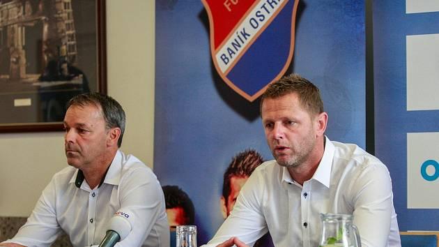 NAJDOU VHODNÉ POSILY? Sportovní ředitel FC Baník Ostrava Dušan Vrťo (vlevo) i trenér Radim Kučera chtějí být v zimním přestupovém období ještě aktivnější.