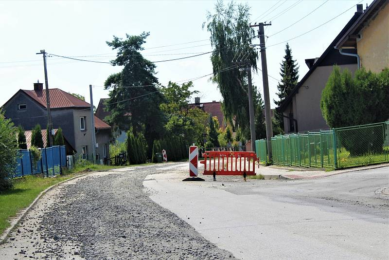 Deník v ulicích Velké Polomi.