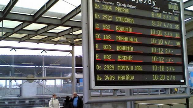Ještě dopoledne měly vlaky jedoucí od Přerova mnohaminutové zpoždění