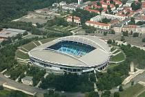 Centrální stadion v Lipsku se používá dodnes, byť kapacita hlediště klesla během přestavby v letech 2002 až 2004 na 45 tisíc a zmizela atletická dráha.