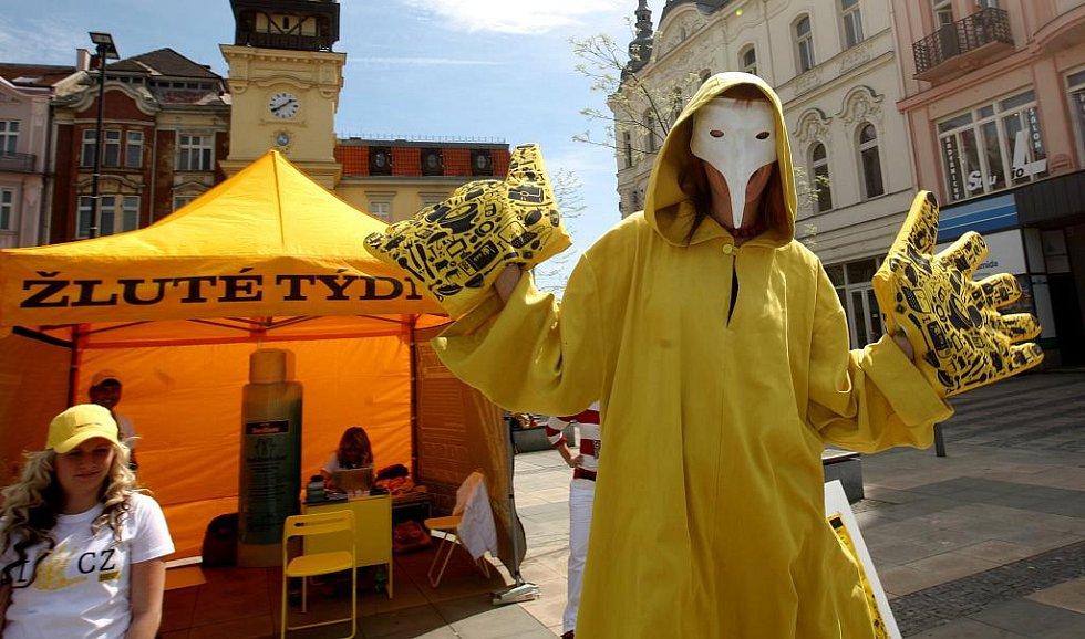 Zájemci se ve žlutém stanu na ostravském Masarykově náměstí v těchto dnech dozvědí, jak se přenáší žloutenka a jak jí může člověk předejít.