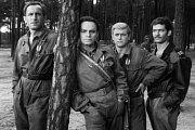 Franciszek Pieczka ve filmu Čtyři z tanku a pes (zleva Franciszek Pieczka, Roman Wilhelmi, Janusz Gajos, Włodzimierz Press)..