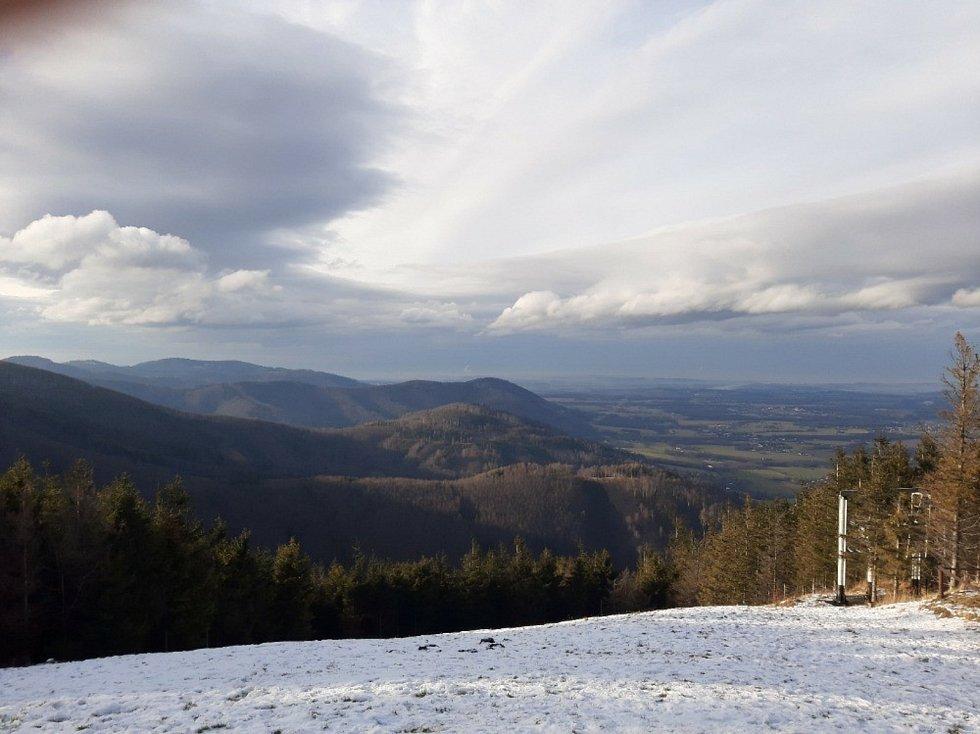 Opět často navštěvovaný vrchol Javorový vyfotil Daniel Klimša.