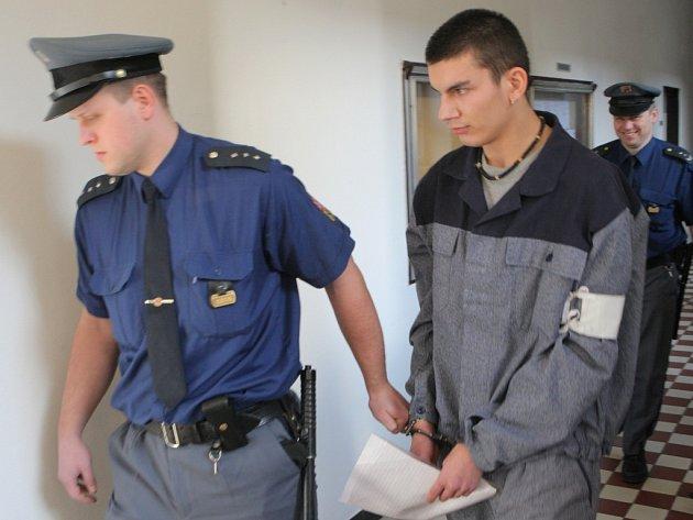 Na lavici obžalovaných usedl devatenáctiletý Marek Illík z Hradce nad Moravicí na Opavsku.