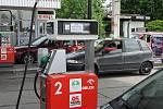 Situace o víkendu u benzínky v Chalupkách na polské straně.