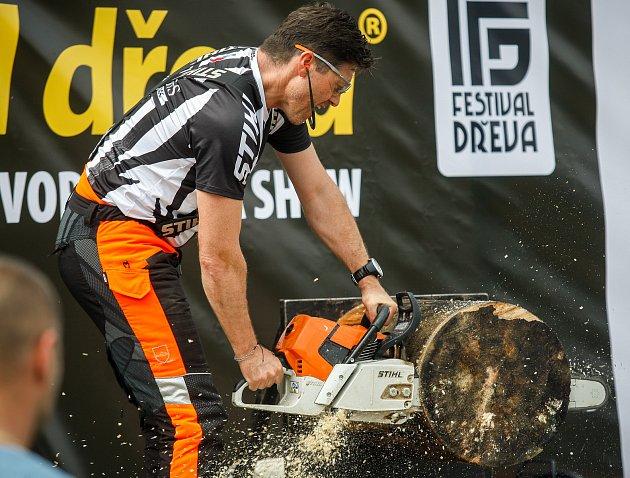 Festival dřeva na Slezskoostravském hradu.