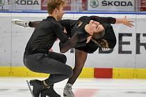 PREMIÉRA. Taneční pár Natálie a Filip Taschlerovi předvedl v Ostravě oba nové programy.