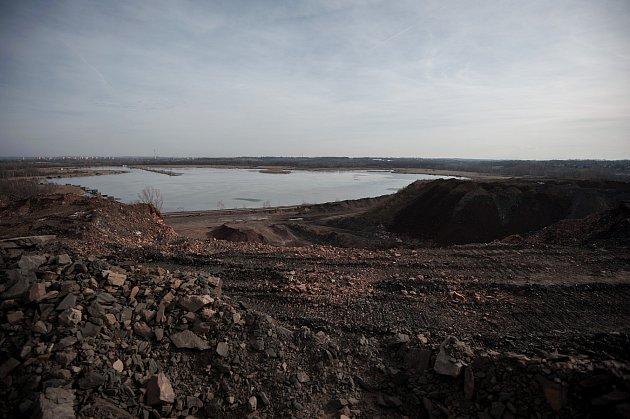 Rozjezd separační linky zatím funguje ve zkušebním provozu. Zplošného odvalu ovýšce až třicet metrů nacházejícím se mezi bývalými šachtami Ida a Heřmanice vyseparuje linka tři základní materiály.