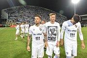 Finále fotbalového poháru MOL Cupu: FC Baník Ostrava - SK Slavia Praha, 22. května 2019 v Olomouci. Na snímku tým Baníku děkuje fanouškům (Martin Fillo, Václav Procházka a Patrizio Stronati.)