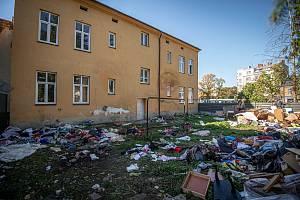 Bývalá ubytovna na ulici Jablonského v Mariánských Horách po opuštění nájemníky, 25. října 2021 v Ostravě.