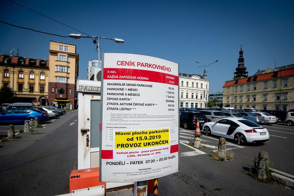 Parkoviště poblíž Masarykova náměstí skončí 15. září 2019.