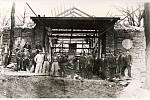Horní stanice lanovky z Trojanovic na Pustevny v roce 1943.