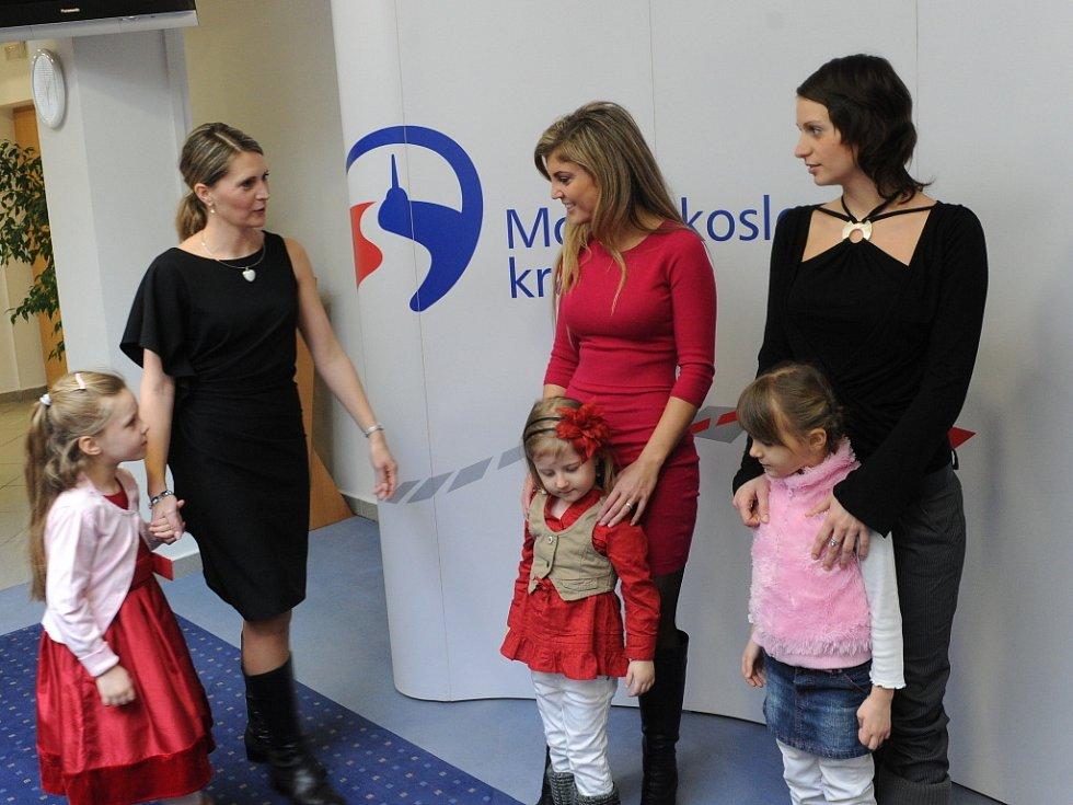 Vítězky soutěže Missis 2012 přijal hejtman MS kraje Jaroslav Palas