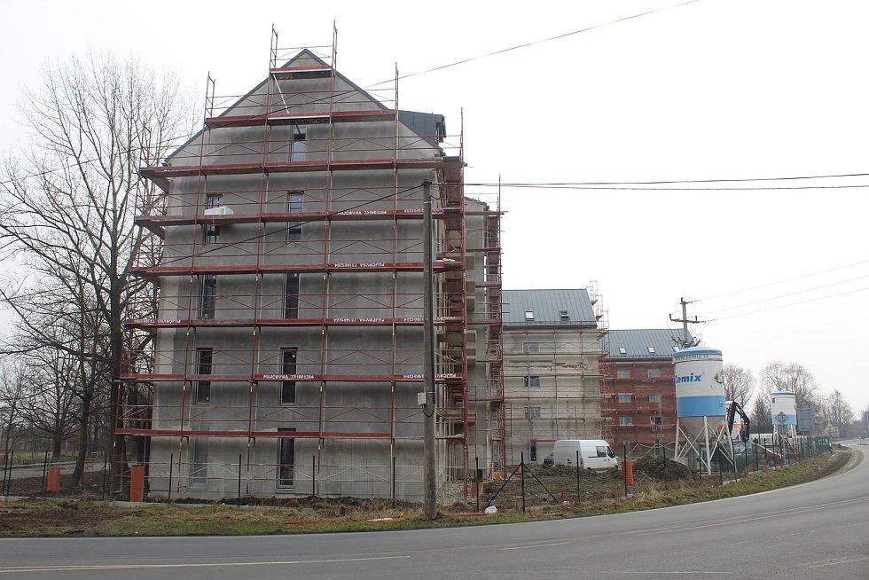 Stavba bytových domů na Šídlovci