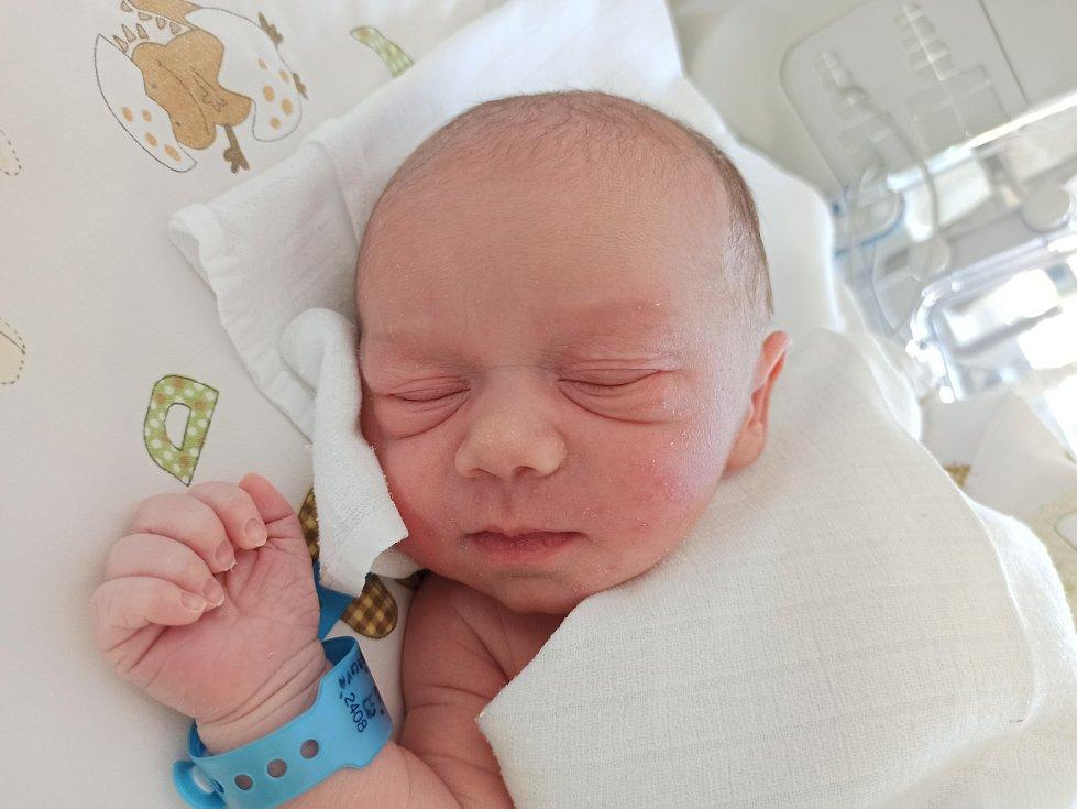 Dominik Kozel, Třinec, narozen 27. dubna 2021, míra 3016 g Foto: Gabriela Hýblová