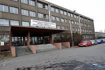 Technická škola v Kunčicích i přes nesouhlas mnohých osiří.