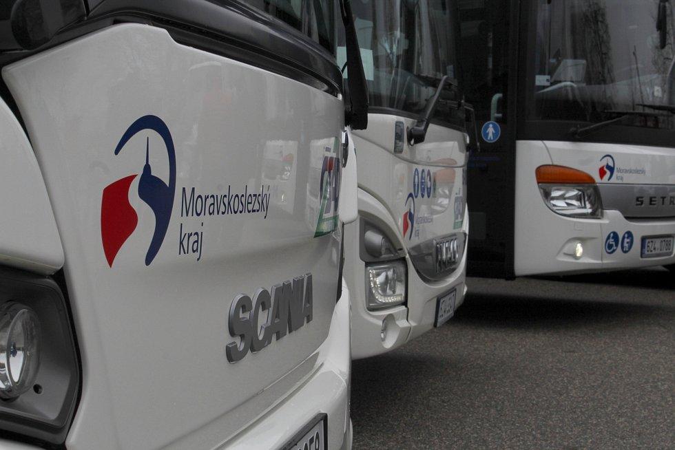 Ilustrační foto. Představení nových autobusů ČSAD Vsetín, prosinec 2018. Zázemí pro obsluhu Moravskoslezského kraje má v Kopřivnici.