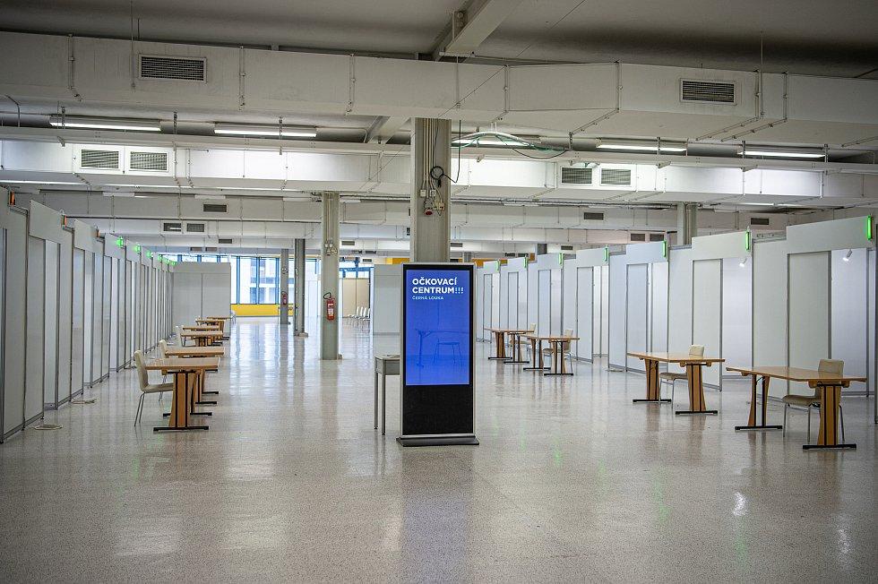 Velkokapacitní očkovací centrum na výstavišti Černá louka v Ostravě, 29. ledna 2021.