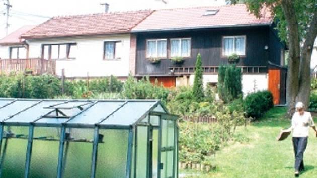V části zvané Stará čtvrt zůstalo ještě patnáct montovaných domků. Opravené a udržované slouží dobře i po padesáti letech.