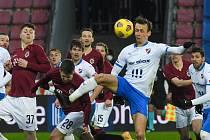 Fotbalisté Baníku Ostrava prohráli středeční osmifinále MOL Cupu na Spartě 0:1.