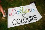 Happening Dollars of Colours před Slezskostravským hradem.
