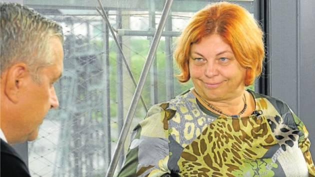 Zlata Holušová v talkshow SametOVA!!! 1989-2019 vysvětluje, jaké prestiži se Ostrava těší v očích hudebníků i spíkrů, kteří vystupují na festivalu Colours of Ostrava a diskusním fóru Meltingpot.