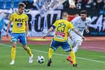 Utkání 27. kola první fotbalové ligy: FC Baník Ostrava - FK Teplice, 7. dubna 2019 v Ostravě. Na snímku (zleva) Jan Kuchta, Jakub Hora, Patrizio Stronati.