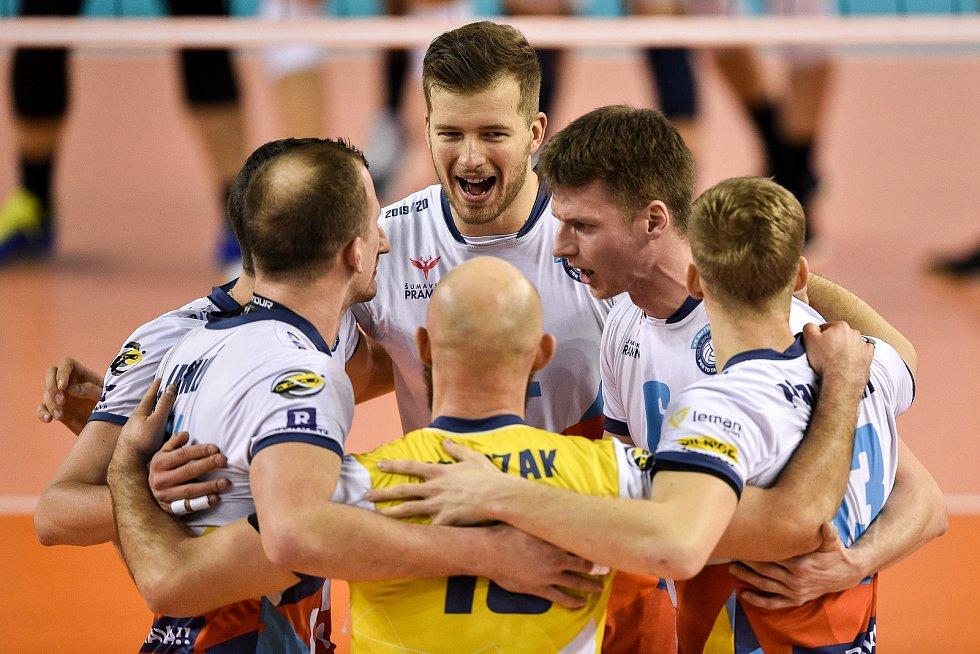 Zápas CEV Volleyball Cup 2020, VK Ostrava - Leo Shoes Modena, 12. února 2020 v Ostravě. Radost Ostravy (střed) Mariusz Marcyniak z Ostravy.