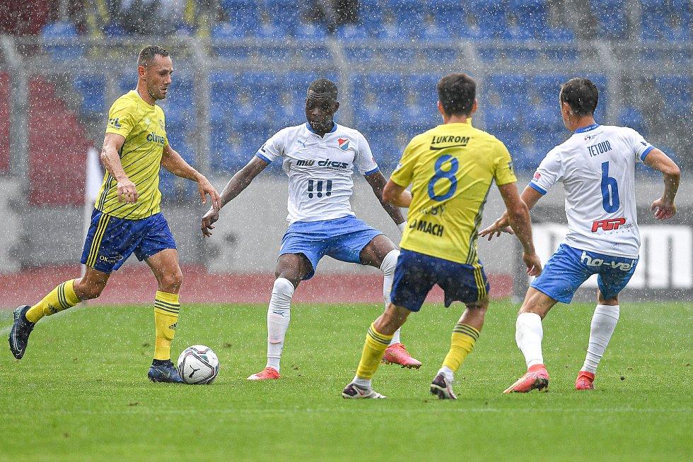 Utkání 2. kola první fotbalové ligy: Baník Ostrava - Fastav Zlín, 1. srpna 2021 v Ostravě. (střed) Nsungani Gigli Ndefe z Ostravy.