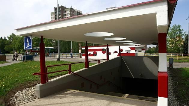U chátrajícího komplexu Odra září nový moderní podchod