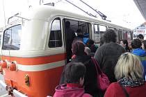 Obyvatelé Ostravy měli v sobotu jedinečnou možnost projet se v historickém trolejbusu.