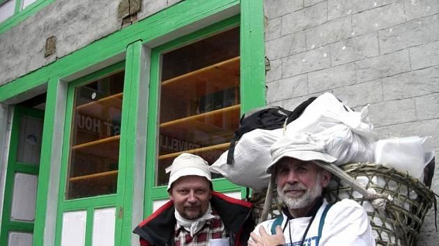Horolezci Věslav Chrzaszcz (vlevo) a Milan Pěgřímek na snímku z průběhu expedice
