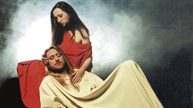 Legendární představení Jesus Christ Superstar, v němž Bára Basiková vytvořila Marii Magdalenu a Kamil Střihavka postavu Ježíše.