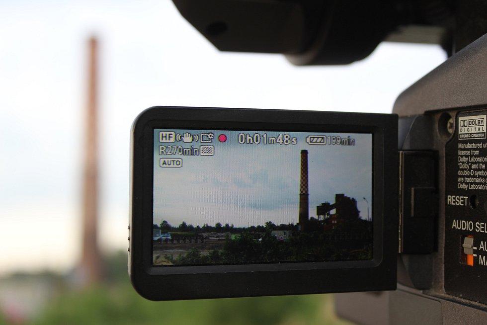 Odstřel komínu Strakáč v areálu Vítkovic v Ostravě, sobota 3. srpna 2019.