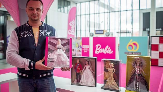Výstava Barbie panenek ve Forum Nová Karolina (FNK), 8. března 2019 v Ostravě. Na snímku organizátor Jiří Michalik.